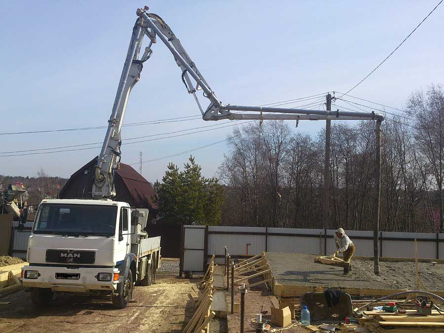 Автобетононасос 16 метров