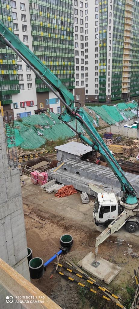 Бетононасос 53 метра на бетонировании детского сада в Мурино